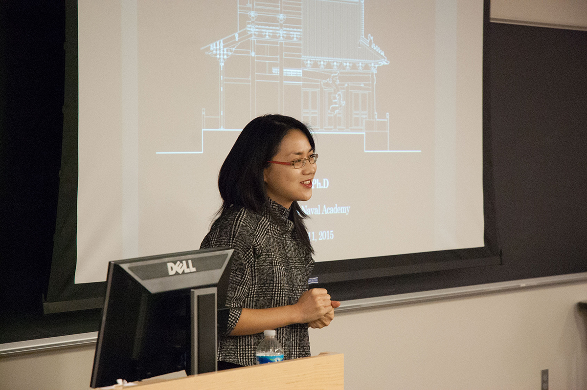 Dr. Lala Zuo presenting on Chinese Architecture at Lehigh University